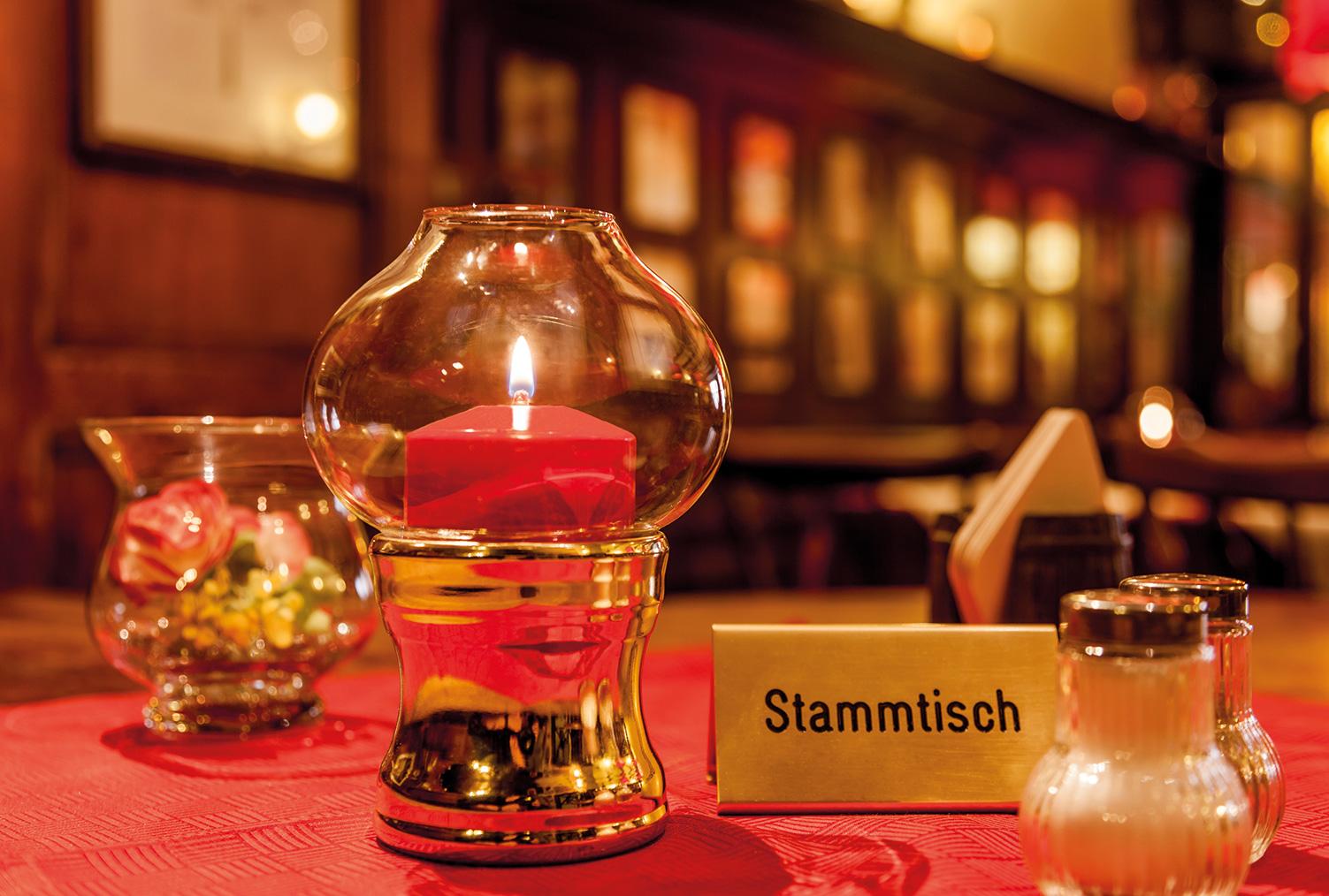 Gasthaus Löwen Freiburg FlexiLight® Lucenta Polished Brass